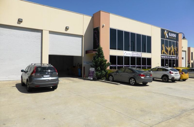 Factory 4 5 Kelletts Road, ROWVILLE VIC, 3178