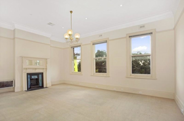 1st Floor/106 Canterbury Road, MIDDLE PARK VIC, 3206