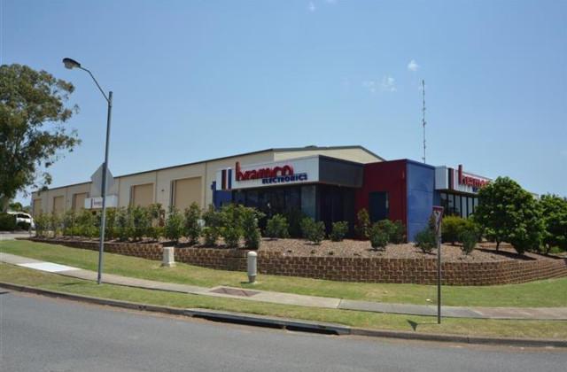 Units 2 & 3/2 Callistemon Close, WARABROOK NSW, 2304