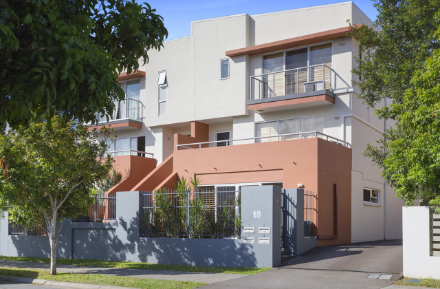 2/18 Tourangeau Crescent, VARSITY LAKES QLD, 4227