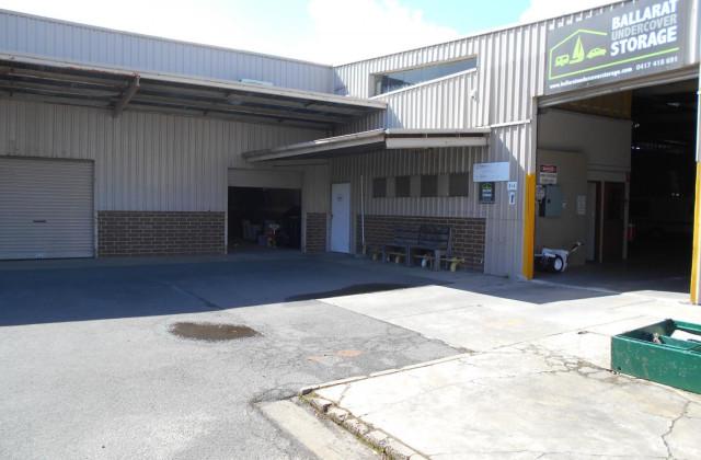 4/6 Traminer Court, WENDOUREE VIC, 3355