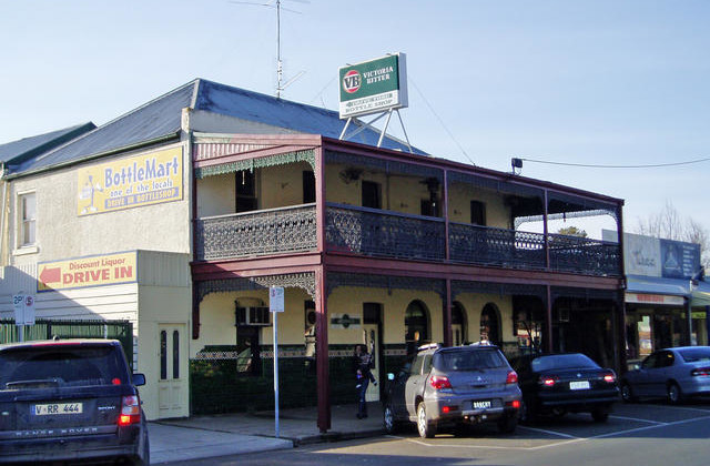 Grand Central Hotel  65 High Street, YEA VIC, 3717
