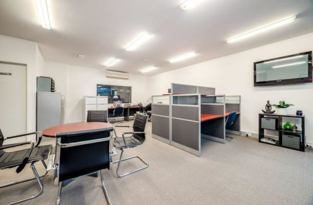 Units 3 & 4 - 320 Lorimer Street, PORT MELBOURNE VIC, 3207