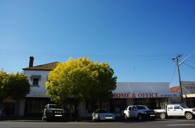 98-102 Lee Street, WELLINGTON NSW, 2820