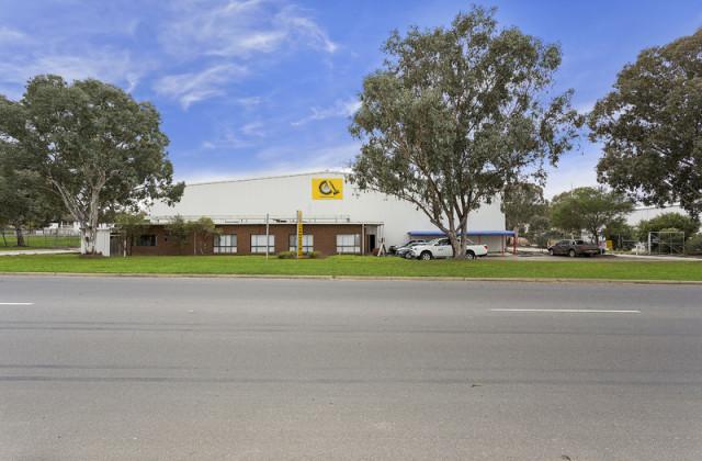 8 Catherine Crescent, LAVINGTON NSW, 2641