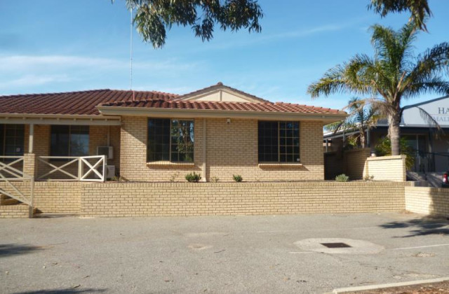 2/14 Peelwood Parade, HALLS HEAD WA, 6210