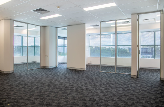 6.09/12 Century Circuit, BAULKHAM HILLS NSW, 2153