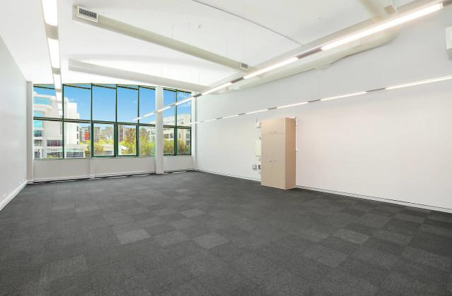1.04/8 Century Circuit, BAULKHAM HILLS NSW, 2153