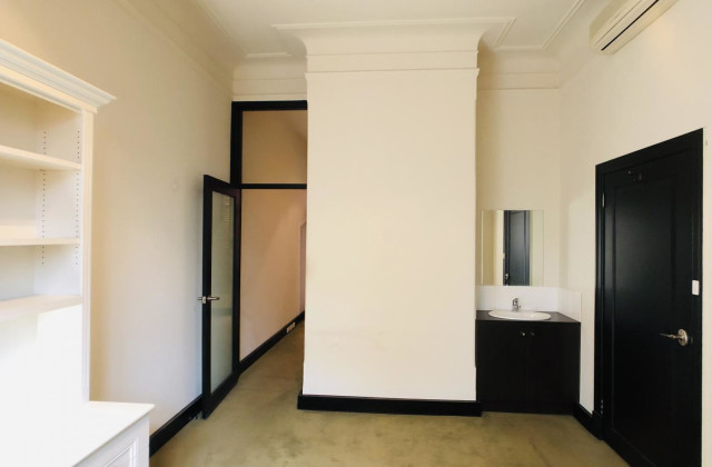 Suite 2/228 Clarendon Street, EAST MELBOURNE VIC, 3002