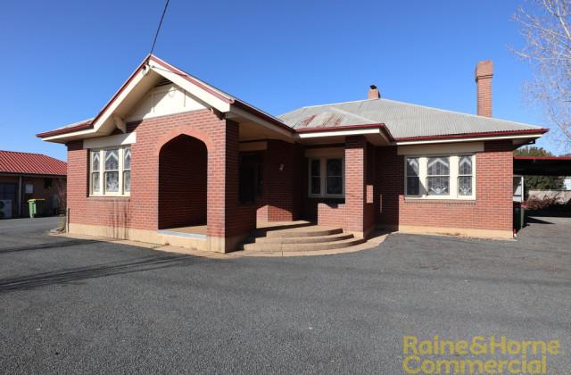 22 HAMMOND AVENUE, WAGGA WAGGA NSW, 2650