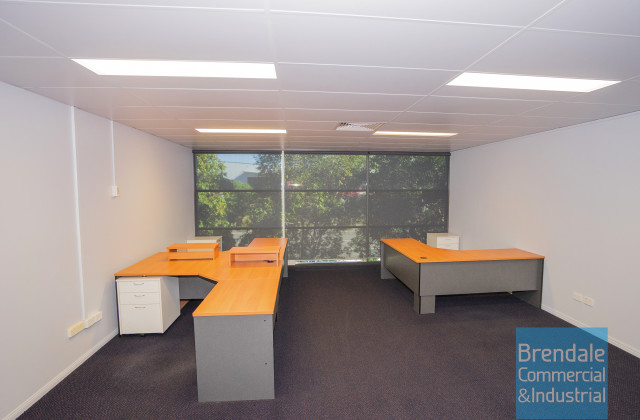 Level 1 Unit 2/253 Leitchs Rd, BRENDALE QLD, 4500