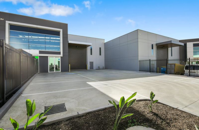 Unit 2/15 Corporate Terrace, PAKENHAM VIC, 3810