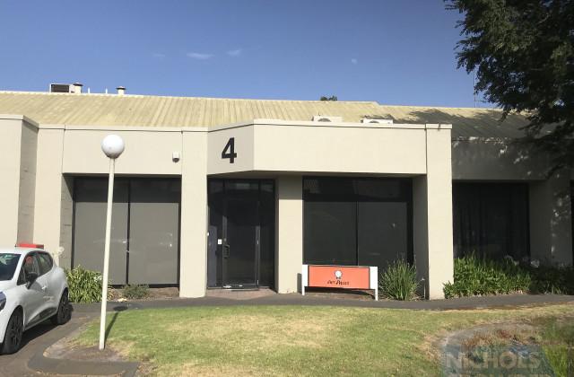 Unit 4/25-41 Redwood Drive, DINGLEY VILLAGE VIC, 3172