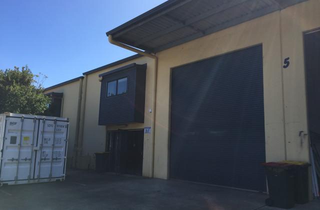 1/5  Neumann court, KUNDA PARK QLD, 4556