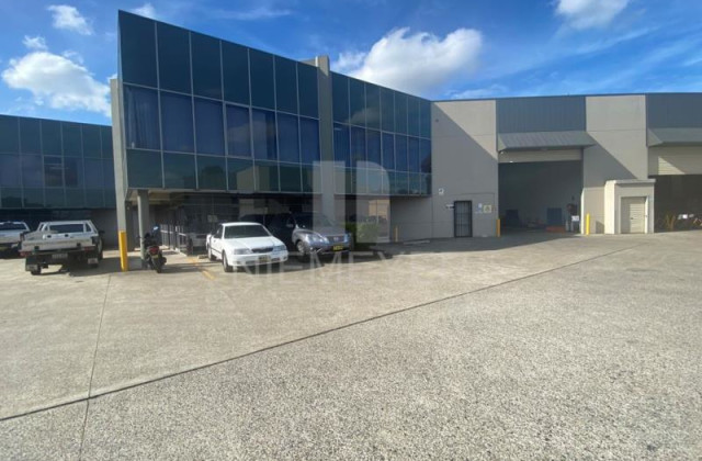 30 Heathcote Road, MOOREBANK NSW, 2170