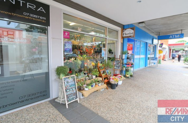 SHOP 2 / 3 Logan Road, GREENSLOPES QLD, 4120