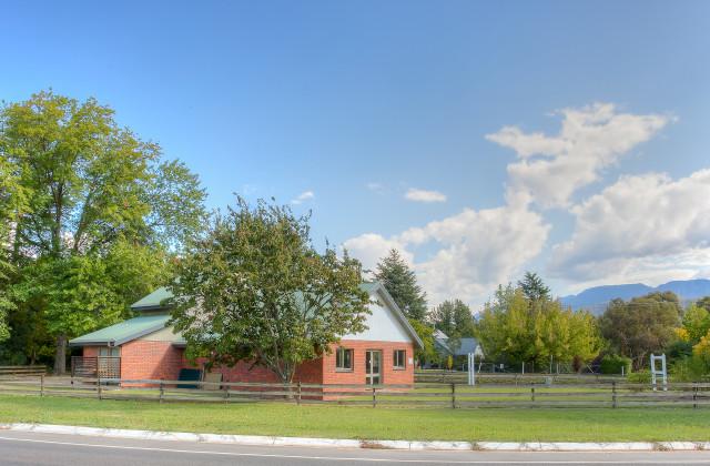 6879 Great Alpine Road, POREPUNKAH VIC, 3740