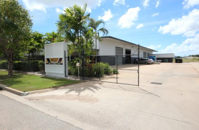 Unit 1/49 Webb Drive, MOUNT ST JOHN QLD, 4818