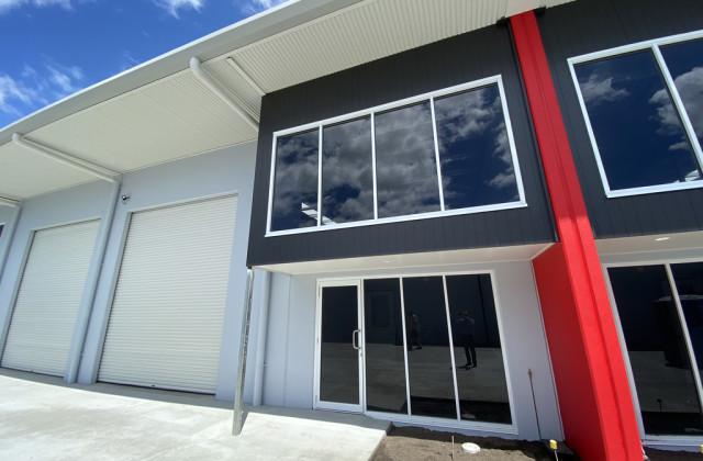 Unit 2/17 Main Drive, WARANA QLD, 4575