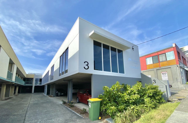 3 Glenelg Avenue, MERMAID BEACH QLD, 4218