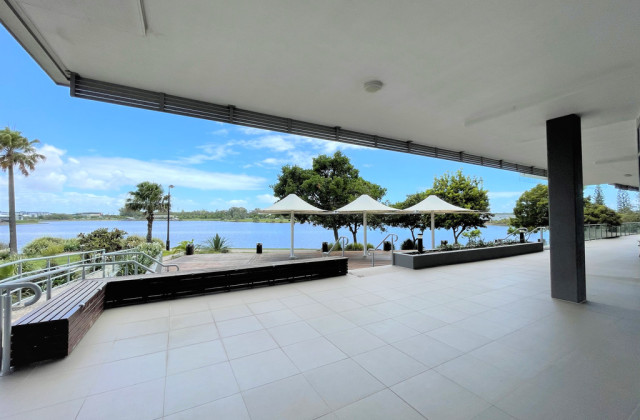1/10 Lake Kawana Boulevard, BIRTINYA QLD, 4575