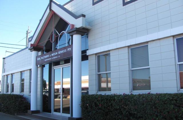20 Swan Street, LONGREACH QLD, 4730