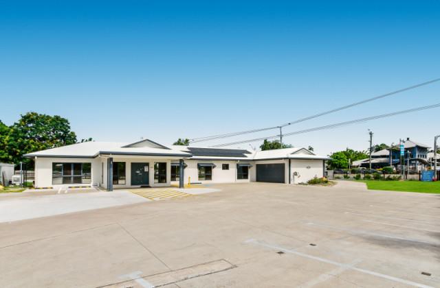 155 Ross River Road, MUNDINGBURRA QLD, 4812