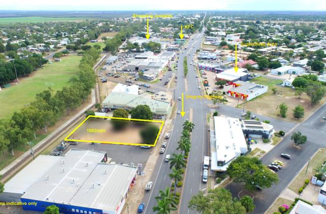 19 Hospital Road, EMERALD QLD, 4720